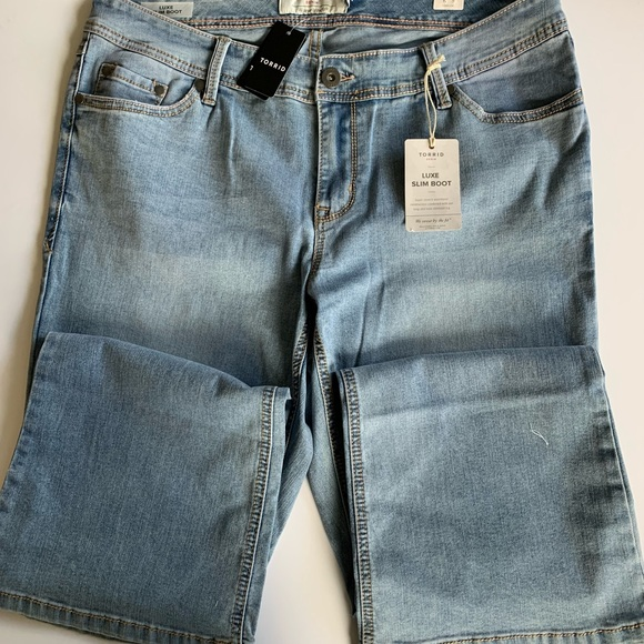 Torrid NWT Stretch Bootcut Jeans